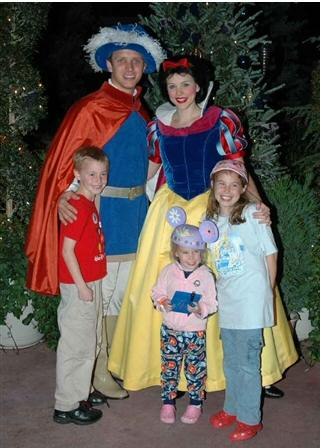 We met Snow Prince at Mickey's Very Merry Christmas Party 2006