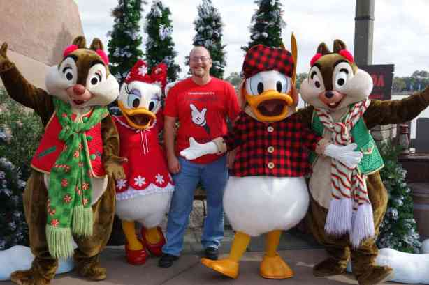 Winter Wonderland Chip Dale Daisy Donald (1)