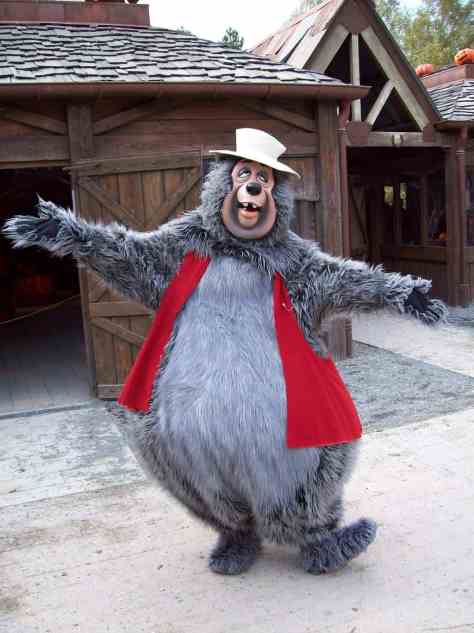 Big Al used to do Meet'n'Greets all the time, but nowadays it can be quite hard to find him at the Parks.