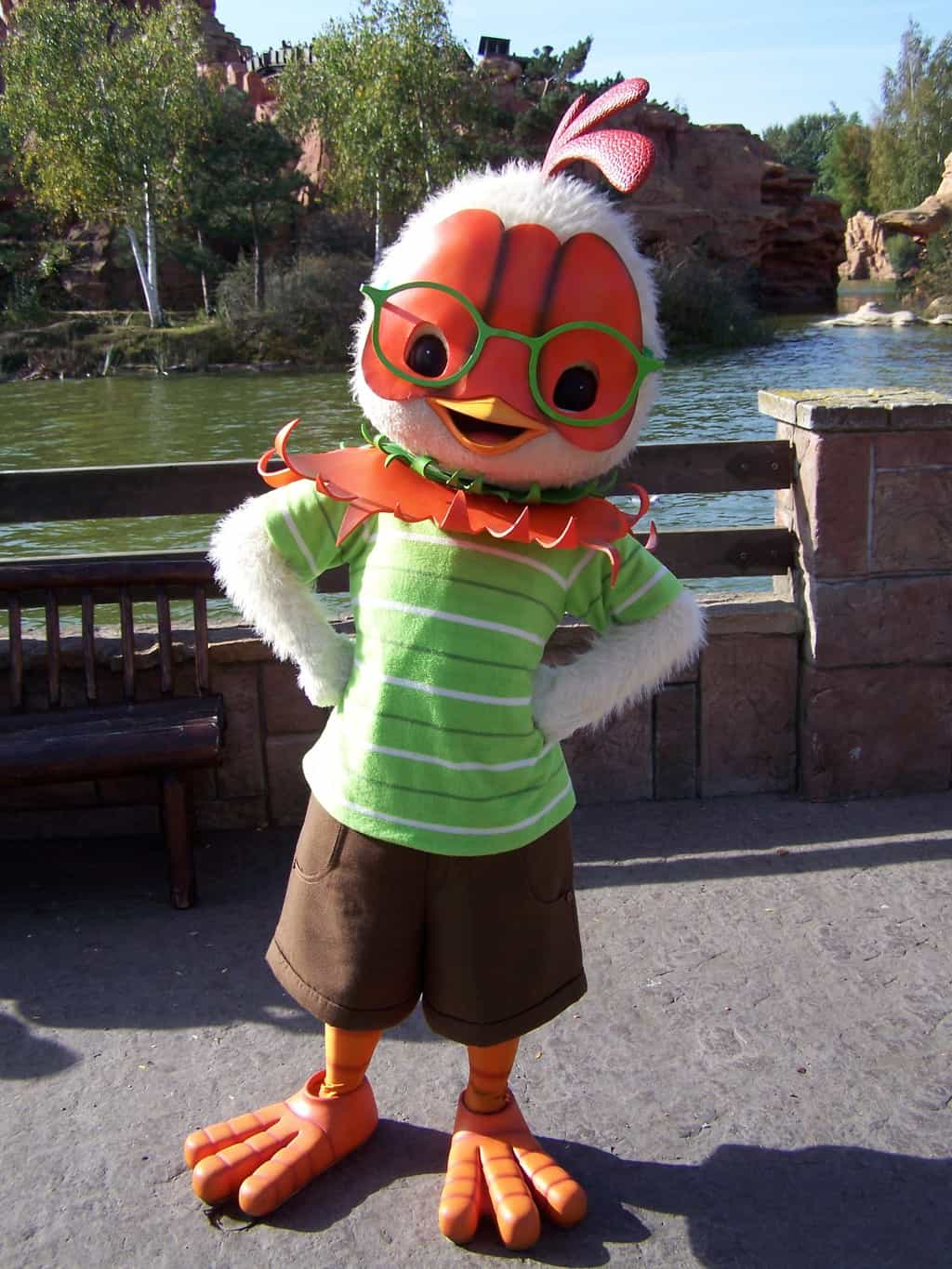 Disneyland Paris Frontierland Character Meet and Greet Chicken Little : chicken little halloween costumes  - Germanpascual.Com