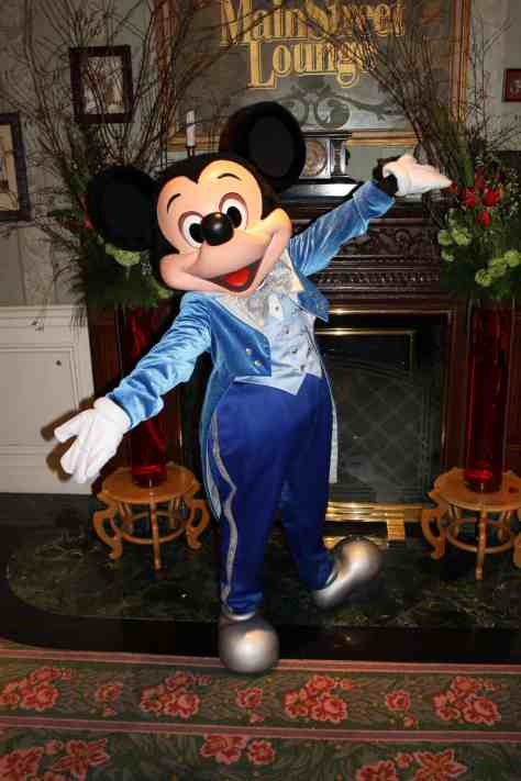Mickey wearing a special outfit at the Disneyland Hotel during Valentine's Day 2013. Mickey used to wear this outfit during the Candleabration Show which ran from 2007 until 2009.