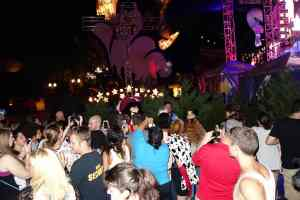 Unleash the Villains Hollywood Studios 2013 ktp Crowds (5)