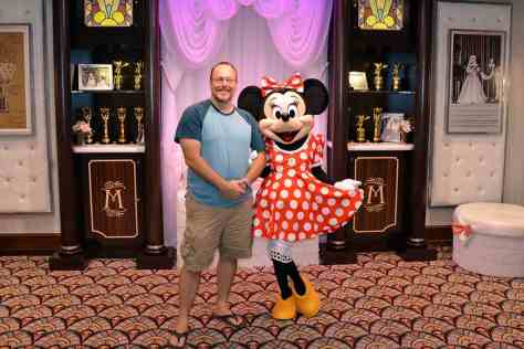 new minnine mouse meet and greet disney hollywood studios 2
