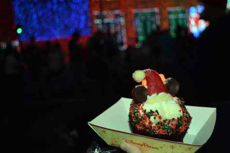 Walt Disney World, Hollywood Studios, Osborne Family Spectacle of Dancing Lights, Christmas Lights, Holiday Cupcake