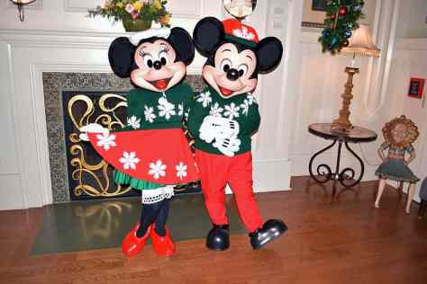 minnie and christmas decor 4 walt disney world boardwalk resort chrismas characters mickey