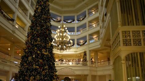 Walt Disney World Grand Floridian Christmas decor Christmas Characters Mickey and Minnie (38)