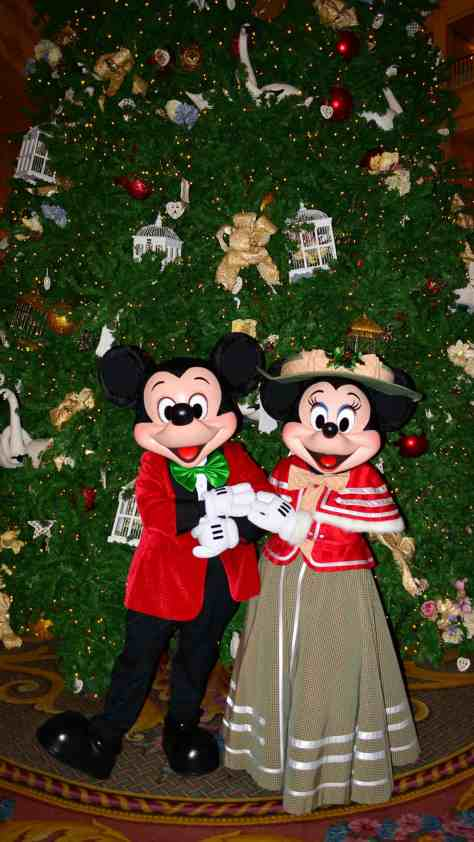 walt disney world grand floridian christmas decor christmas characters mickey and minnie 42