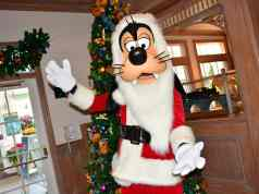 Santa Goofy at Disney's Hollywood Studios