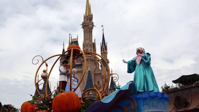 Bob Iger speaks on how COVID-19 could affect Disney Parks