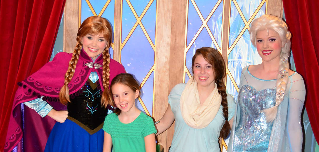 We Met Anna And Elsa At Park Opening Today At Epcots Norway