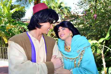 Walt Disney World, Magic Kingdom, Characters, Valentines Day, Aladdin and Jasmine
