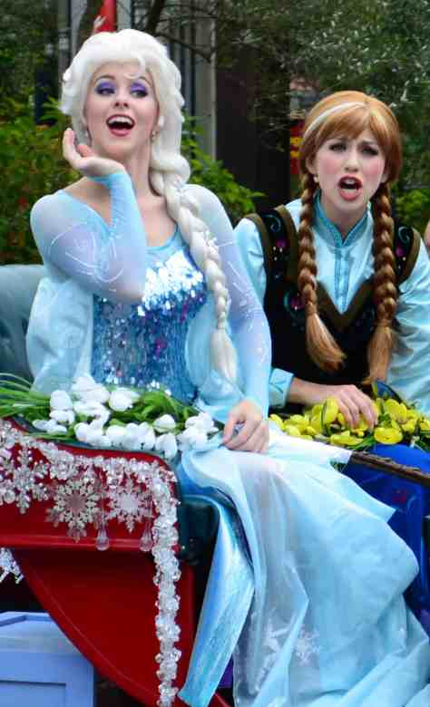 Frozen Summer of Fun Live Parade featuring Anna Elsa and Kristoff