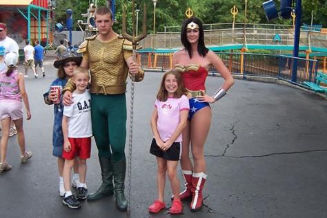 Aquaman and Wonder Woman Six Flags Texas 2007