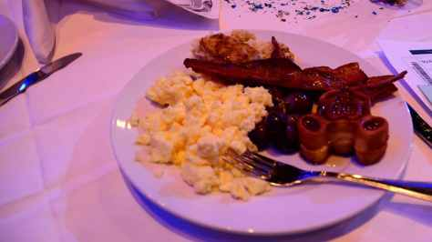 My Royal Coronation Breakfast with Anna and Elsa from Frozen (17)