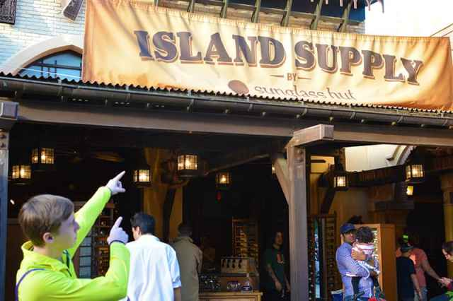 Island Supply Adventureland Sunglass Hut Magic Kingdom Disney World (1)