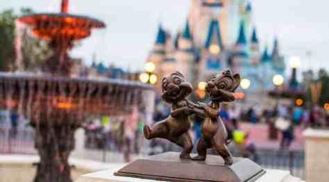 Chip n Dale in Castle Hub at Magic Kingdom in Walt Disney World l kennythepirate.com