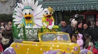 Disneyland Paris Swing into Spring Donald and Daisy 3