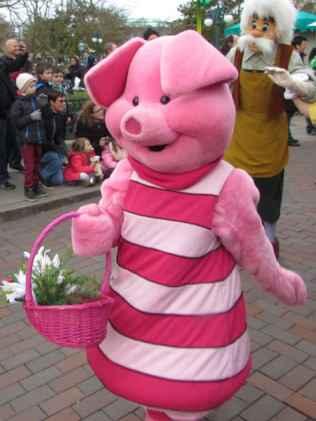 Disneyland Paris Swing into Spring Piglet