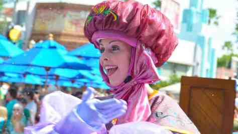 How to experience the Frozen Royal Welcome at Disney's Hollywood Studios #frozenfun #coolestsummerever