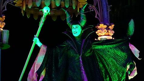 Hocus Pocus Villain Spelltacular at Mickey's Not So Scary Halloween Party 2015 (18)