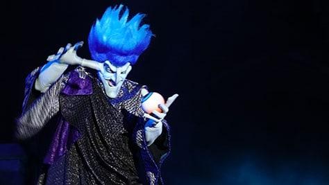 Hocus Pocus Villain Spelltacular at Mickey's Not So Scary Halloween Party 2015 (21)