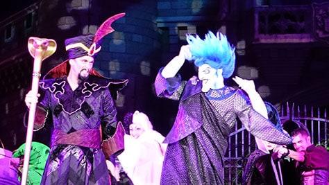 Hocus Pocus Villain Spelltacular at Mickey's Not So Scary Halloween Party 2015 (35)