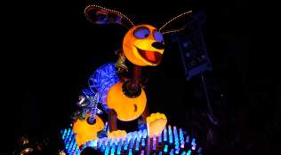 Paint the Night Parade at Disneyland Resort (13)