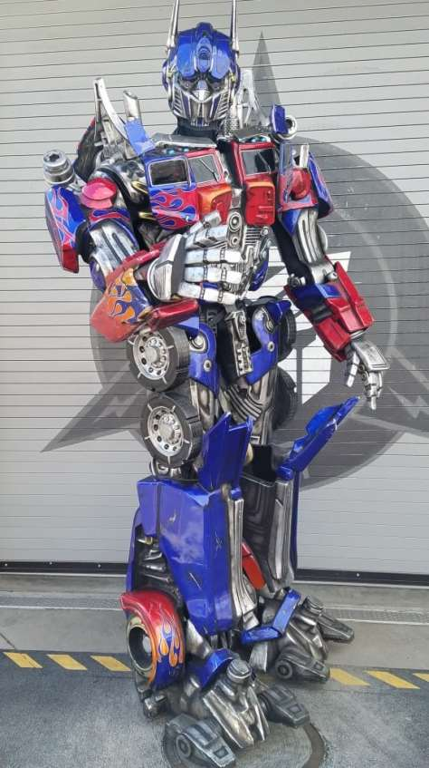 Universal Orlando Character Day with Ryan and Heather April 2016 (35) Optimus Prime