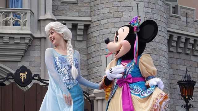 Mickey's Royal Friendship Faire at the Magic Kingdom in Walt Disney World (11)