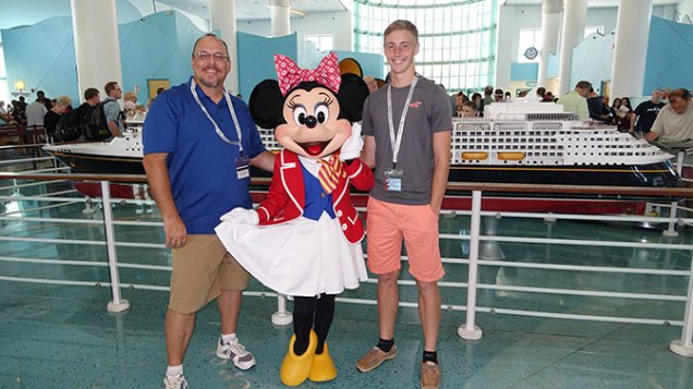Minnie Cruise Terminal Disney Fantasy KennythePirate