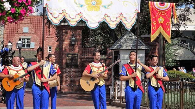 Elena of Avalor a Royal Welcome (2)