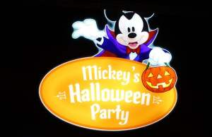 Review: Disneyland Mickey's Halloween Party 2016