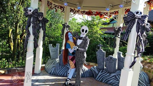 jack-and-sally-at-mickeys-not-so-scary-halloween-party