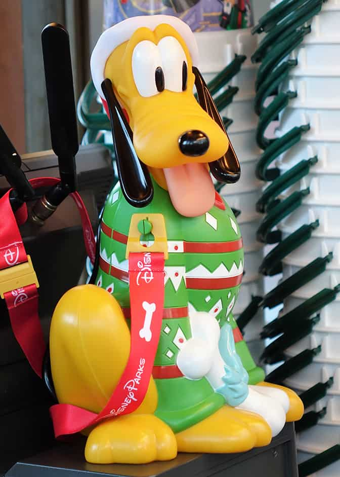 Pluto Has A Heart Love Him Back: Adorable New Pluto Christmas Season Popcorn Bucket Arrives