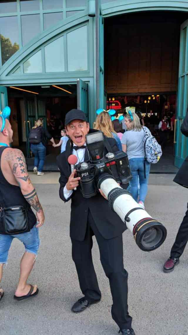 Photographer-guy-at-Fandaze-in-Disneyland-Paris-2018.jpg