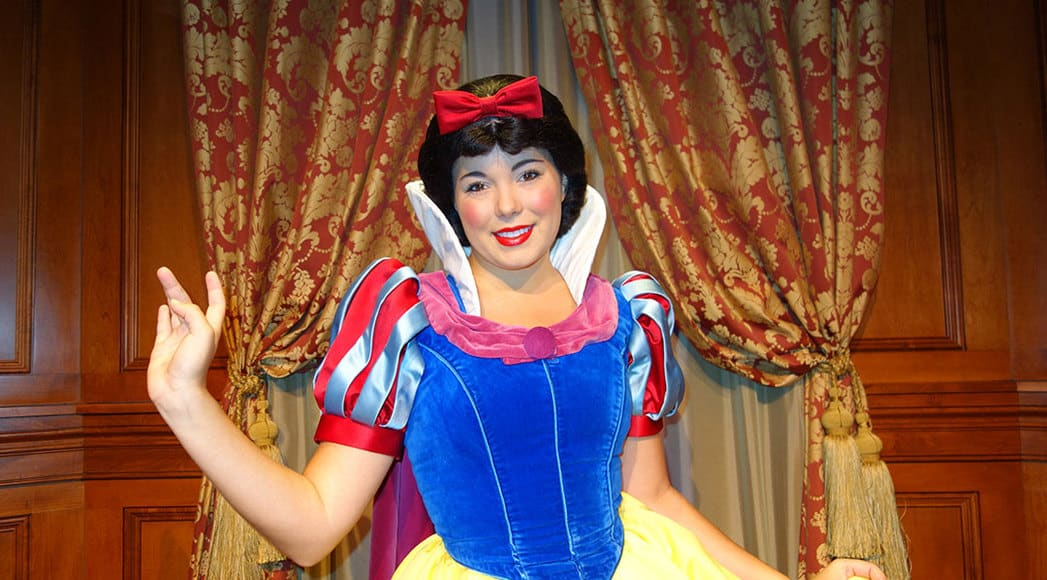 Reservations Now Open For Snow White S Storybook Dining At