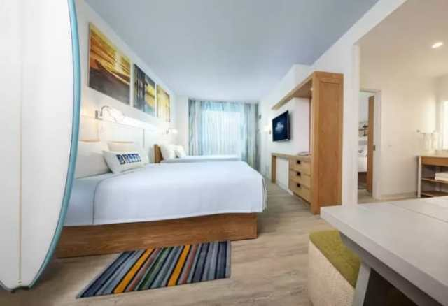 Universal's Dockside Inn and Suites