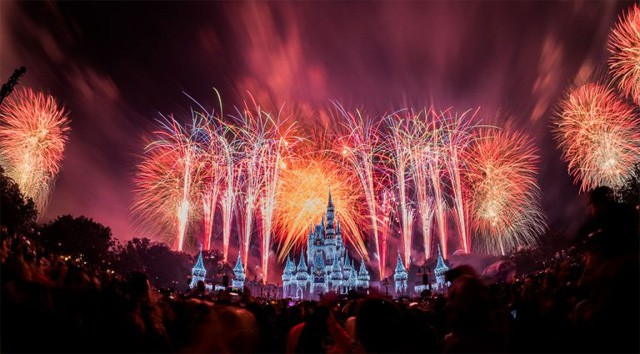 Schedule for New Year's Eve Around the Disney Parks 2019