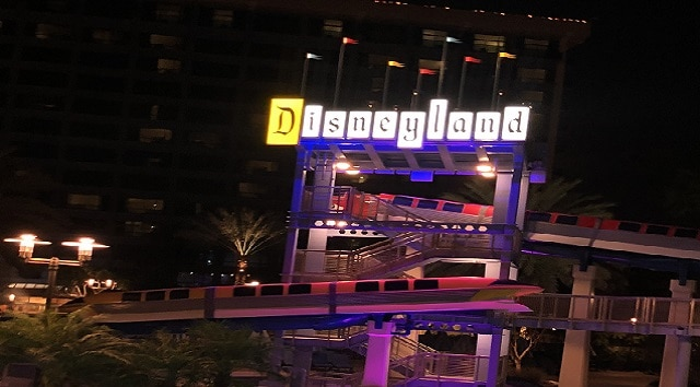Exploring the Disneyland Hotel at the Disneyland Resort