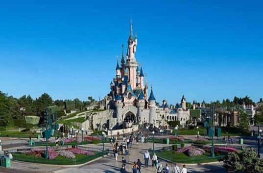 Disneyland Paris Closed Until Further Notice