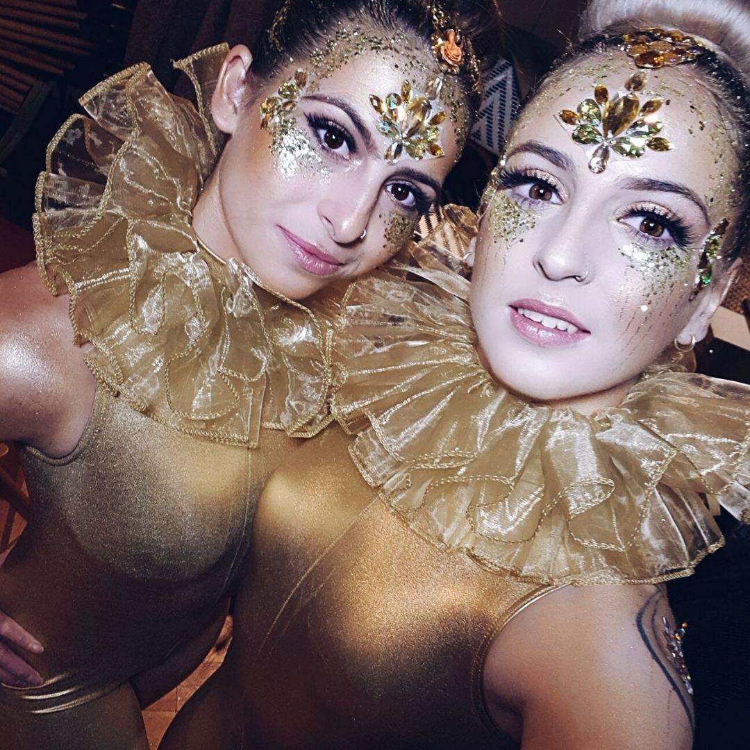 Gold Acrobats