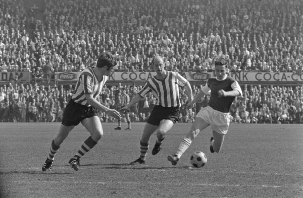 Spelmoment-uit-de-Rotterdamse-derby-tussen-Feijenoord-en-Sparta-1969