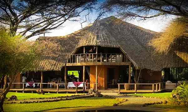 Lodge hébergements en safari au Kenya