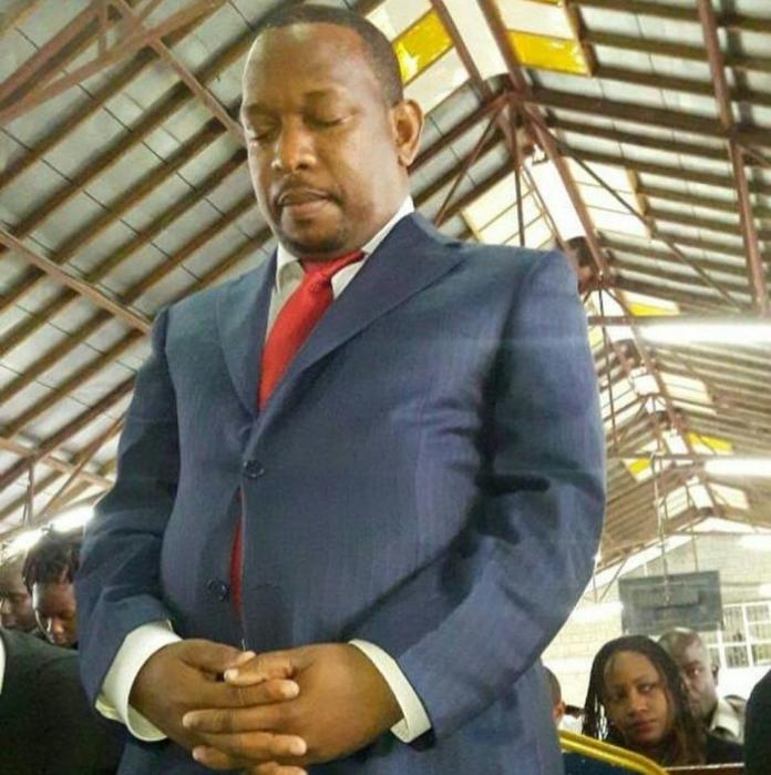 Nairobi Governor Mike Sonko praying. After his late-night dream, he posted a prayer on his social media asking God to make him President.