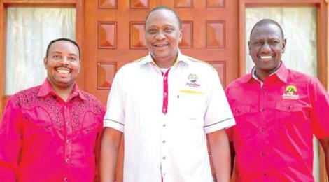 Gospel artist Ben Githae pictured with President Uhuru Kenyatta and Deputy President William Ruto at State House, Nairobi in 2017