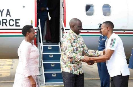 Deputy President William Ruto is received in Mombasa by Nyali MP Mohammed Ali after flying in a Kenya Airforce jet in the past