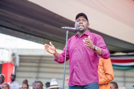 Elgeyo Marakwet Senator Kipchumba Murkomen addressing the crowd at the BBI rally in Meru on February 29, 2020.