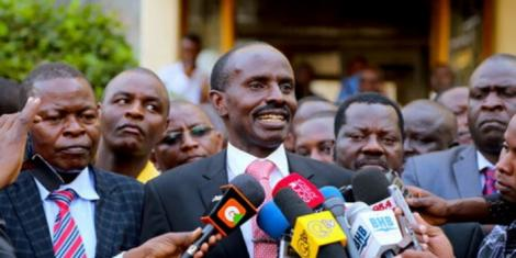 File image of KNUT Secretary-General Wilson Sossion (centre)