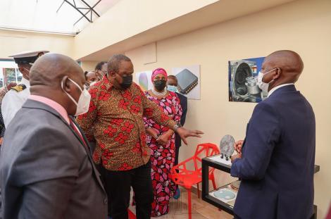 President Uhuru Kenyatta during a tour of the Semi-Conductors Technologies factory at Dedan Kimathi University of Technology on April 26, 2021