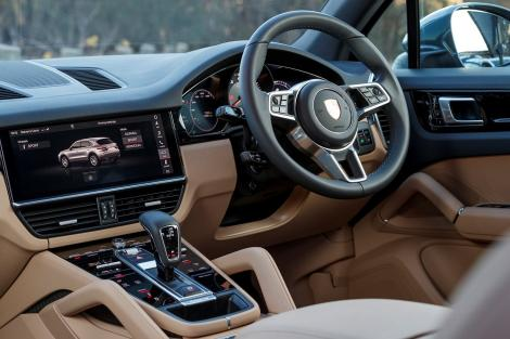 Porsche Cayenne 2018 interior.